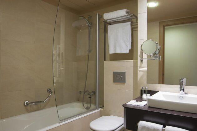 Opinion baño hotel codina