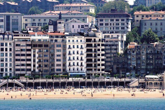 Vista de la playa hotel Niza