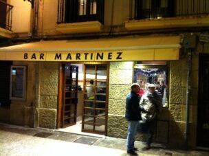 Fachada bar martinez