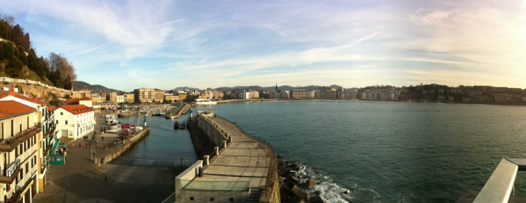 Foto panorámica del puerto de San Sebastián