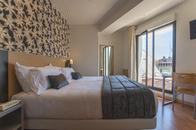 Habitación con terraza en hotel Codina