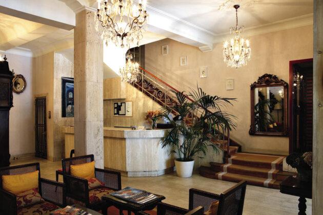 Recepción del hotel niza
